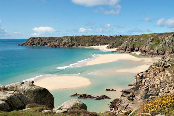 5 najlepszych plaz do wypoczynku w Wielkiej Brytanii Porthcurno (1)