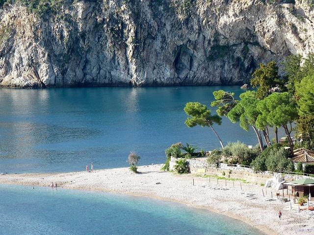 Top 6 najlepszych wloskich plaz Taormina (1)